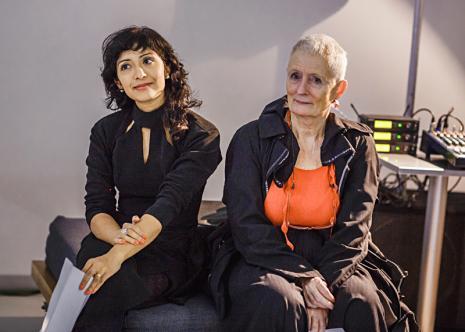 Kuratorki wystawy Michelle Williams Gamaker i Mieke Bal (Królewska Akademia Sztuk Pięknych w Amsterdamie)