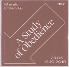 [Naklejka promocyjna] Marek Chlanda. Study of Obedience 28.06-13.10.2019.