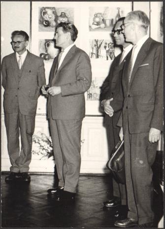 Od lewej x, dyr. Roman Kaczmarek (Archiwum Państwowe w Łodzi, Włodzimierz Marquadt (Muzeum Historii Włókiennictwa w Łodzi), x