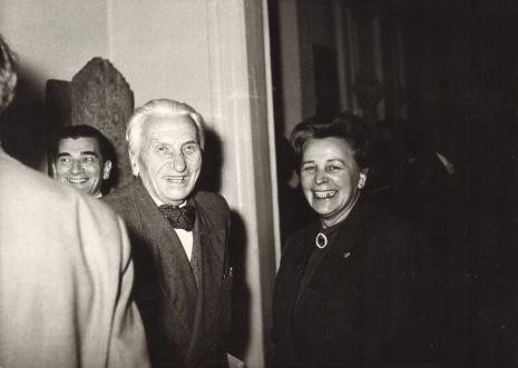 Od lewej x, Tomasz Klepa-Klepczyński (przewodniczący TPSP w Łodzi), Helena Grombczewska (Główny Inwentaryzator)