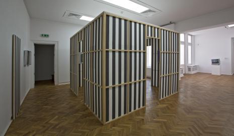 Dokumentacja wystawy - praca Daniela Burena