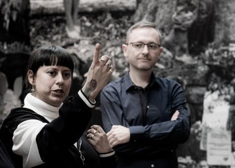 Carolina Caycedo i Adam Jurek (kierownik Działu Komunikacji)