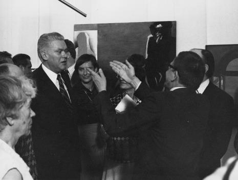 Z lewej Jerzy Lorens (przewodniczący Prezydium Rady Narodowej Miasta Łodzi) w rozmowie z dyr. Ryszard Stanisławskim