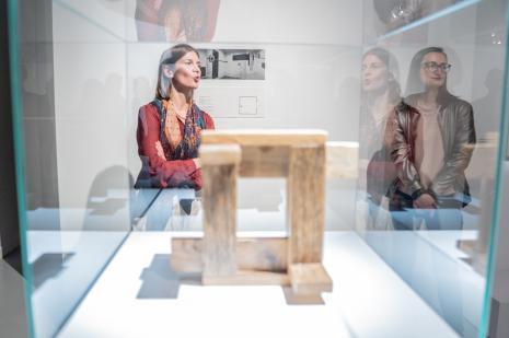 Kuratorki wystawy Małgorzata Jędrzejczyk i Katarzyna Słoboda (Dział Sztuki Nowoczesnej)