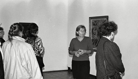 Wizytatorzy w salach wystawowych ms