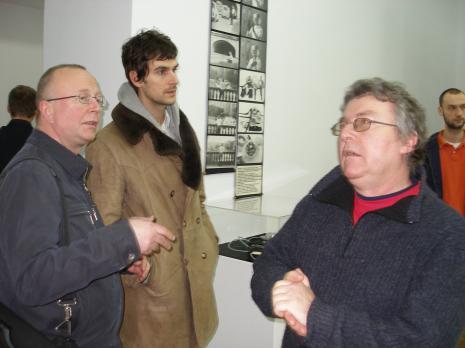 Jerzy Grzegorski i Adam Klimczak (Galeria Wschodnia w Łodzi), w środku Marcin Polak M.Ch.