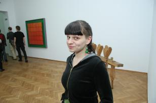 Zorka Wollny, performance podczas otwarcia wystawy Kolekcja Sztuki XX i XXI wieku. Szkic 1 Sztuka i polityka