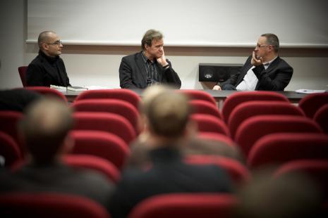 Od lewej Andrzej Leśniak (Uniwersytet Warszawski), prof. Ryszard Kluszczyński, Marek Wasilewski