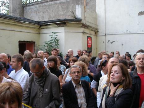 W okularach Paweł Hartman, z prawej Piotr Turek