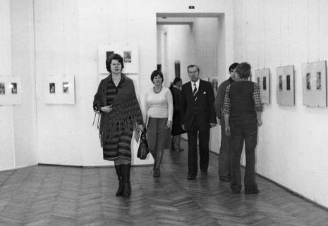 Od lewej Anna Pajewska (Towarzystwo Naukowe Płockie), Jolanta Chmielewska (wiceprezes Towarzystwa Naukowego Płockiego), dr inż. Jakub Chojnacki