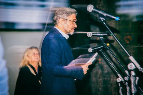 Kuratorka wystawy Maria Morzuch (Dział Sztuki Nowoczesnej), dyr. Jarosław Suchan (ms)