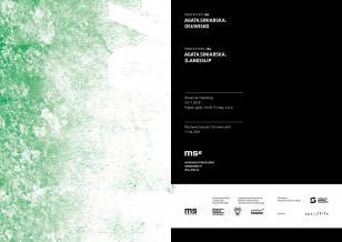Zaproszenie na wystawę ustawione w poziomie; po lewo biało-zielona grafika z nałożonym gradientem i białymi cyframi 04; prawa strona w kolorze czarnym zadrukowana jest białą czcionką z informacjami o wystawie; dół strony przecina biały pas z logotypami