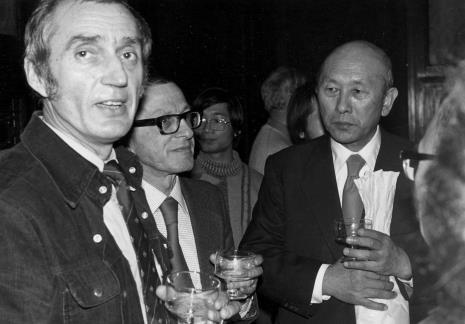 Od lewej Wiesław Borowski (Galeria Foksal w Warszawie), dyr. Ryszard Stanisławski, dyr. Masayoshi Honma (Muzeum Narodowe Sztuki Nowoczesnej w Osace)