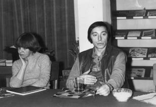 Konferencja prasowa w czytelni biblioteki Działu Dokumnetacji Naukowej, Irena Kolat-Ways (Dział Sztuki Nowoczesnej), Karol Broniatowski