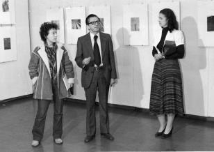 Od lewej  Megi Pepeu (Komitet Centralny Komunistycznej Partii Włoch), dyr. Ryszard Stanisławski,  Ewa Marciniak (KŁ PZPR)