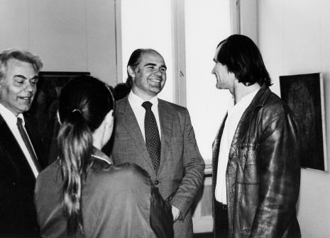 W środku dyr. Bogdan Rymaszewski (Ministerstwo Kultury i Sztuki) i Józef Robakowski