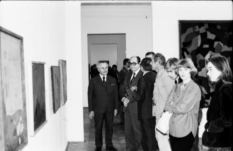 Od lewej Ryszard Brudzyński (wicedyrektor ms), Zbigniew Polit (wiceprezydent Łodzi), w jasnej kurtce Wiesław Borowski (Galeria Foksal w Warszawie)