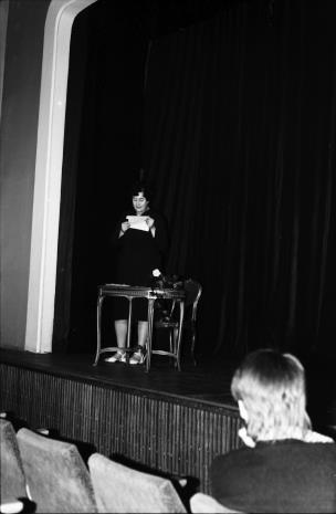 Spotkanie w Teatrze Nowym w Łodzi, Janina Ojrzyńska (Dział Naukowo - Oświatowy)