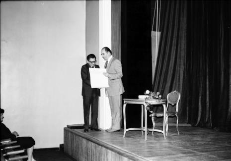 Spotkanie w Teatrze Nowym w Łodzi, dyr. Ryszard Stanisławski (ms) i dyr. Bogdan Rymaszewski (Ministerstwo Kultury i Sztuki)