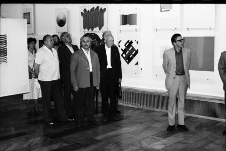 Od lewej x, Zdzisław Konicki (archiwista), z tyłu w okularach Edward Łazikowski, x, Ryszard Brudzyński (wicedyrektor ms), red. Mieczysław Jagoszewski (Dziennik Łódzki), dyr. Ryszard Stanisławski
