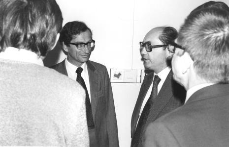 Dyrektor The British Council (z lewej) w rozmowie z Zbigniewem Politem (wiceprezydent Łodzi) i dyr. Ryszardem  Stanisławskim