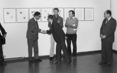 Od lewej dyrektor The British Council, dyr. Ryszard Stanisławski, Derek Boshier, Janusz Wróblewski (tłumacz), Zbigniew Polit (wiceprezydent Łodzi)