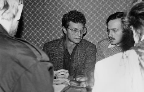 Konferencja prasowa, Derek Boshier i Janusz Wróblewski (tłumacz)