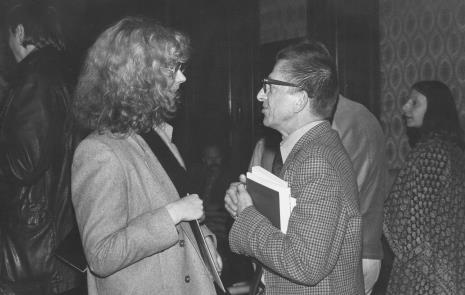 Antje Garaevenitz w rozmowie z dyr. Ryszardem Stanisławskim, w głębi po prawej Ewa Partum