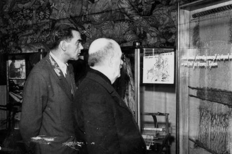 Zwiedzanie wystawy Działu Tkactwa Artystycznego