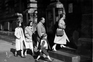 Uczestnicy wycieczki przed wejściem do ms