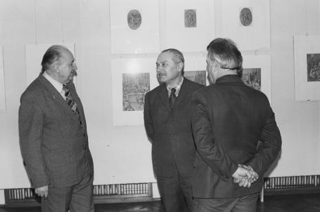 Od lewej Zdzisław Konicki (Towarzystwo Przyjaciół Łodzi, Archiwum Państwowe w Łodzi), Ryszard Brudzyński (wicedyrektor ms), Juliusz Murawski