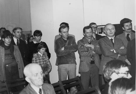 W środku w jasnych spodniach Tadeusz Wolański, obok Tomasz Jasiński, pierwszy z prawej Michał Wojciech Walczak (Wojewódzki Konserwator Zabytków)