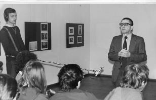 Dyr. Ryszard Stanisławski otwiera wystawę