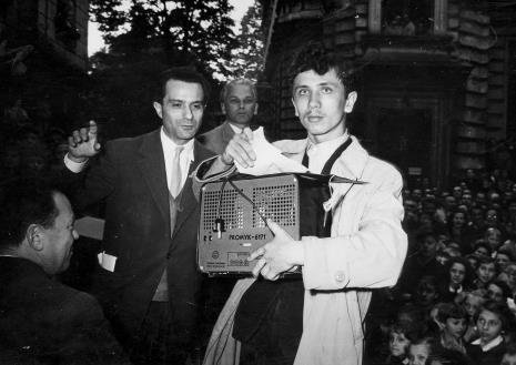 od lewej: Henryk Abbe, zwycięzca konkursu, Marian Jeżewski