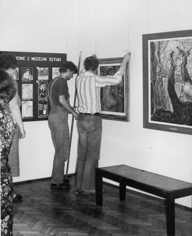 Montaż wystawy