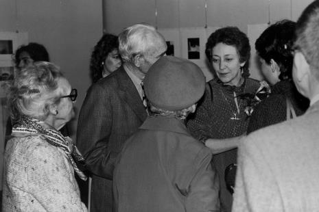 Eva Rubinstein z łódzkimi znajomymi Artura Rubinsteina, z lewej Janina Nowakowska (współpracowniczka pierwszego dyrektora ms Mariana Minicha)