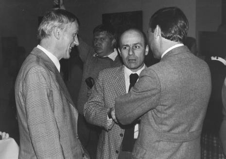 Od lewej na pierwszym planie Wiesław Garboliński, dyr. Bernard Kepler (BWA w Łodzi), Wojciech Walczak (Wojewódzki Konserwator Zabytków)