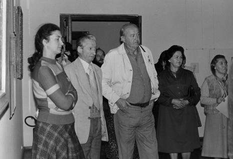 Od lewej  Ewa Marciniak (KŁ PZPR), malarz Zdzisław Jan Głowacki, w głębi Antoni Mikołajczyk, red. Jerzy Kwieciński (Odgłosy), Helena Kornacka (emerytka ms), Krystyna Pakosz-Ziółkowska (Komisja Zakupów)