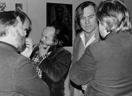 Od lewej Janusz Hereźniak (Uniwersytet Łódzki) oraz artyści Antoni Mikołajczyk i Józef Robakowski