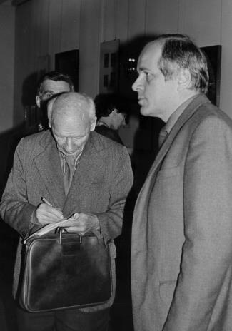 Red. Mieczysław Jagoszewski (Dziennik Łódzki) i dr Janusz Zagrodzki (Dział Rysunku i Grafiki Nowoczesnej)