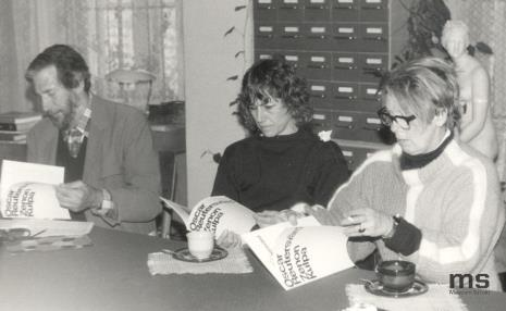 Od lewej x, Patricia Douthwaite, A. Scott