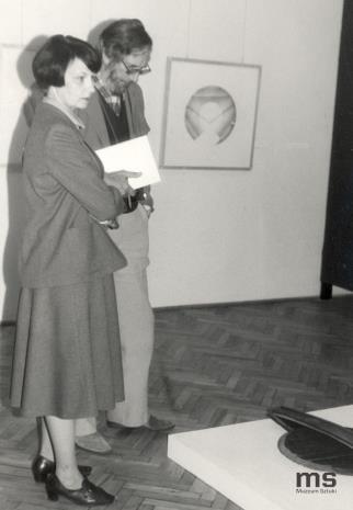 Urszula Czartoryska w towarzystwie historyka architektury z Wielkiej Brytanii