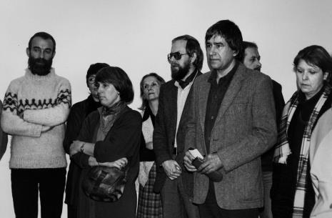 Artyści z grupy Hajnówka, pierwszy z lewej Adam Żach, pierwszy z prawej na pierwszym planie Bogusław Kobierski oraz  pierwsza z prawej red. Lucyna Hoszowska (Express Ilustrowany),