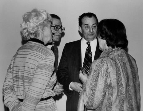 Od lewej prof. Zofia Libiszowska (Uniwersytet Łódzki), dyr. Ryszard Stanisławski (ms), komisarz wystawy Paul Monnet (sekretarz generalny Towarzystwa Livrest w Paryżu), prof. Natalia Gajl (Uniwersytet Łódzki).