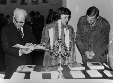 Od lewej x, prof. Natalia Gajl (Uniwersytet Łódzki), prof. Andrzej Nadolski (Uniwersytet Łódzki).