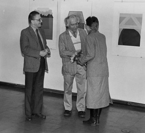 Od lewej dyr. Ryszard Stanisławski (ms), Steve Poleskie, Jolanta Ciesielska (Dział Rysunku i Grafiki Nowoczesnej)