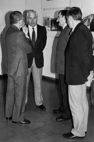 Od lewej dyr. Ryszard Stanisławski (ms),  Jan Nosko (wiceprezydent Łodzi), Michał Walczak (Wojewódzki Konserwator Zabytków), Grzegorz Kacprzak (wicedyrektor ms)