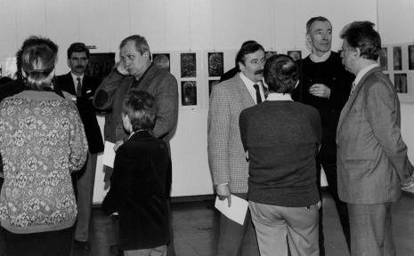 Od lewej w głębi A. Pokuta, Bronisław Podgarbi (Ośrodek Dokumentacji Zabytków), Wojciech Walczak (Wojewódzki Konserwator Zabytków), x, Jerzy Wajnberg (Muzeum Historii Miasta Łodzi), Aelsander Wilkanowski (kierownik Wydziału ds. Wyznań)