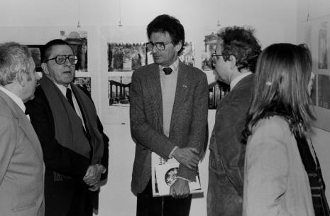 Od lewej Izaak Kersz (Gmina Wyznaniowa Żydowska w Łodzi), dyr. Ryszard Stanisławski (ms), Jerzy Kosiński, W. Stępień, Maria Morzuch (Dział Sztuki Nowoczesnej)