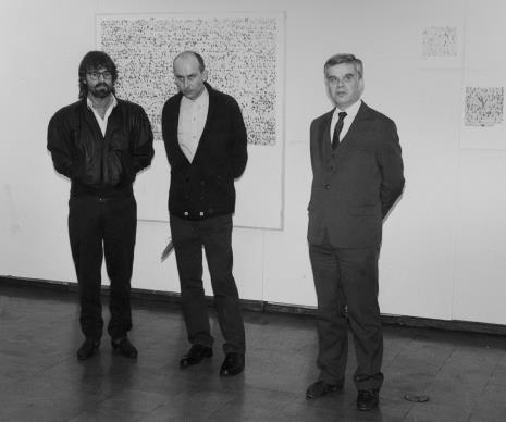 Od lewej Andrzej Szewczyk, komisarz wystawy Jaromir Jedliński (Dział Fotografii i Technik Wizualnych), dr Jacek Ojrzyński (Dział Dokumentacji Naukowej)